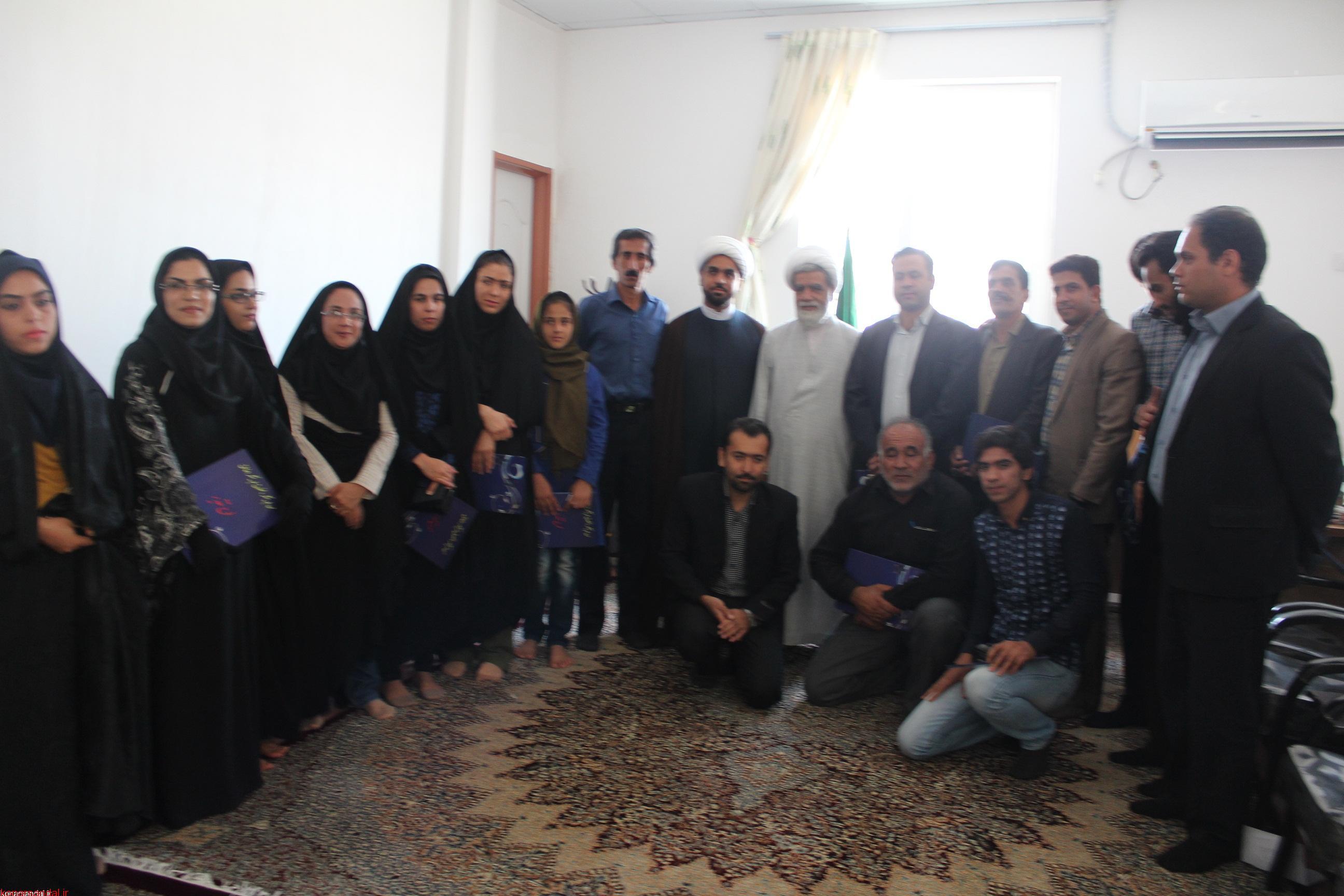 نشست شاعران و نویسندگان با امام جمعه جیرفت به مناسبت روز قلم