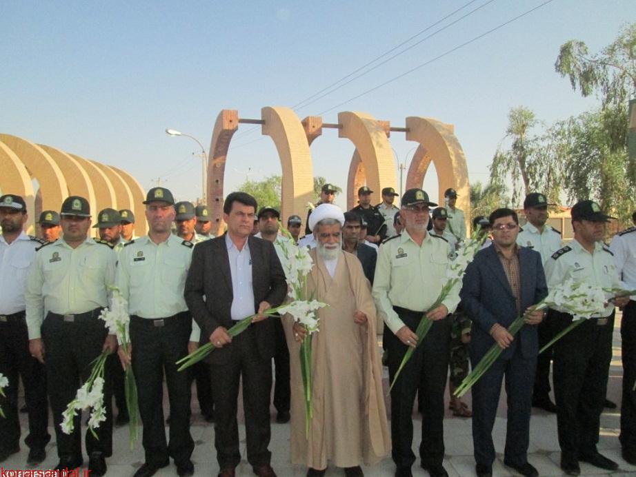 گلباران قبور معطر شهدای جیرفت به مناسبت هفته نیروی انتظامی / تصاویر