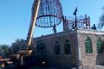 گنبد مسجد ابوالفضل العباس روستای حیدر آباد بخش اسماعیلی جیرفت نصب شد / تصاویر