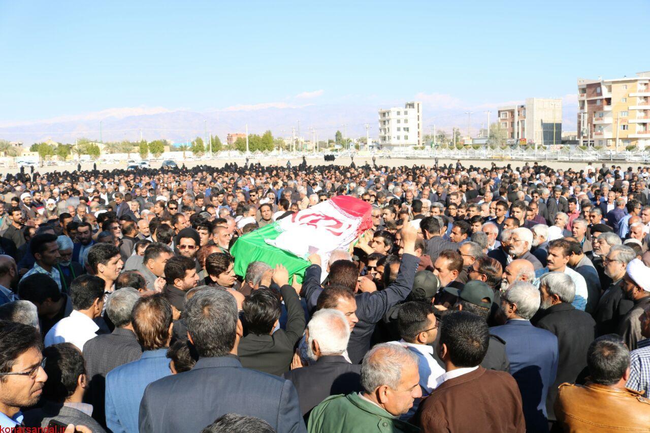 پیکر حجت الاسلام علی زادسر جیرفتی تشییع و به خاک سپرده شد / تصاویر